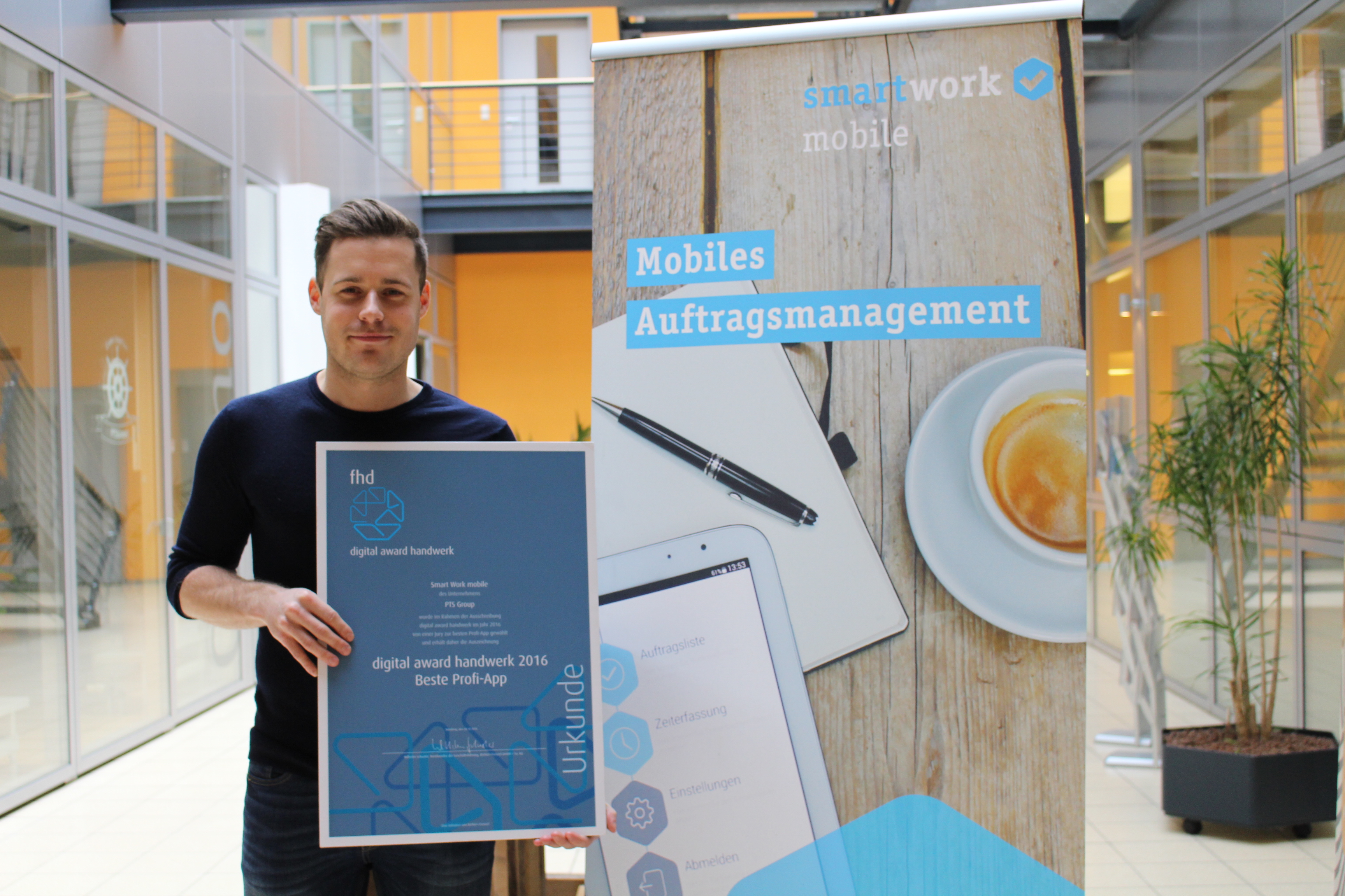Smart Work mobile gewinnt digital handwerk award 2016 für die beste Profi-App